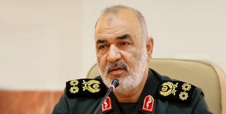 دستور فرمانده سپاه  مبنی براعزام بالگرد به گچساران برای مهار آتش سوزی