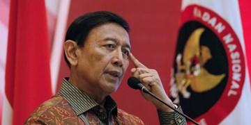عکس و فیلم| حمله با چاقو به وزیر امنیت اندونزی