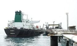 هیچ کمکی به نفتکش ایرانی نشده است/ نفتکش ایرانی تغییر مسیر میدهد