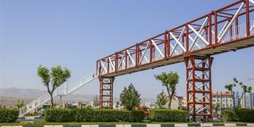 فارس من| درخواستی برای نصب پلهای عابر پیاده به شورای ترافیک نیامده است