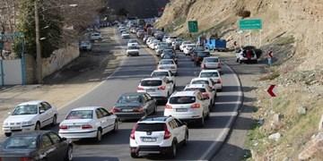 تردد پرحجم خودرو در محور هراز و جاده چالوس/ کندوان از ساعت 17 امروز یک طرفه می شود