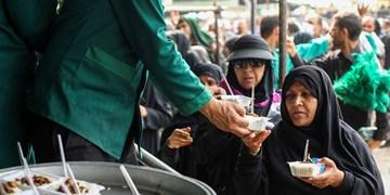 توزیع یک میلیون و 640 هزار پرس غذای گرم بین زائران اربعین در موکبهای امام رضا(ع)