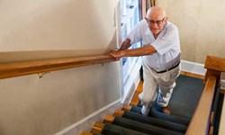 بالا رفتن و پایین آمدن از «پله» چه  آسیبی به «زانو» وارد میکند؟