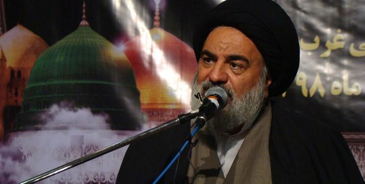 رهبری مدبرتر و عالمتر از رهبر ایران وجود ندارد/حذف نام پیامبر اسلام هدف اصلی دشمنان است
