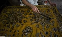 سمفونی عشق و هنر با ابریشم و نفت/ تولید گرانترین روسریهای  صادراتی جهان در اسکو+ عکس و فیلم