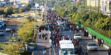 پیاده روی خانوادگی در زنجان