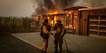 تصاویر|آتش سوزی گسترده در اراضی لس آنجلس هزاران نفر را مجبور به ترک منطقه کرد