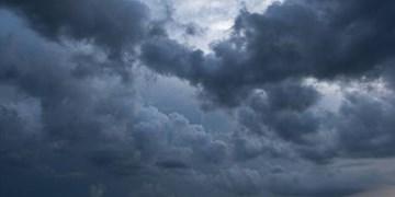 آسمان همدان ابری است