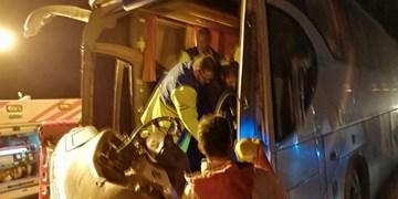 تصادف اتوبوس با کامیون/۳ نفر مصدوم شدند