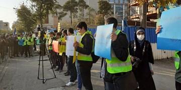 دانشجویان ایرانی با هر ندایی علیه سرمایهداری همراهی میکنند