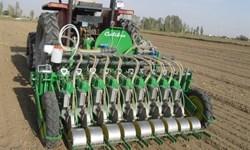 رقابت دستگاههای کارنده کشت مستقیم در کرمانشاه/ کشاورزان با شخمزدن زمین خداحافظی کنند