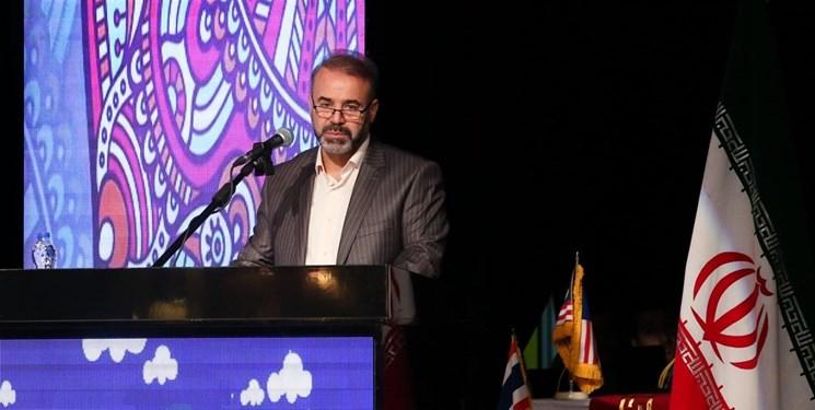 کلنگزنی تالار بزرگ شهر همدان با حضور وزیر ارشاد
