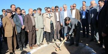 آغاز عملیات احداث نیروگاه خورشیدی شهید باکری سمنان