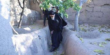حضور آلهاشم در روستایی زلزهزده سردهایی و  پیگیری وعدههای مسوولان