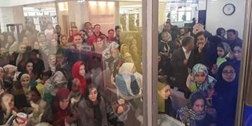 روایت یک صف عجیب در تهران