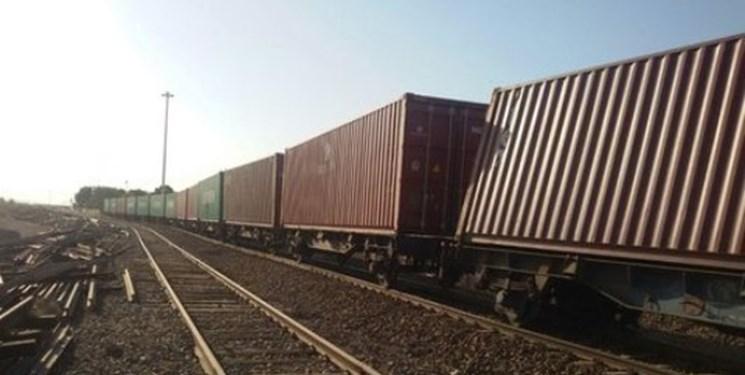 خروج ۶ واگن باری از خط در راهآهن لرستان/هدایت واگنها روی خط و انتقال مسافران قطار با اتوبوس