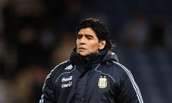 مسابقات لیگ فوتبال آرژانتین به دلیل درگذشت مارادونا تعطیل نمیشود