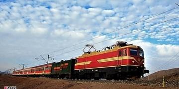 برخورد قطار با شتر در مسیر تهران- مشهد/ کسی آسیب ندید