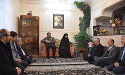 دیدار هیأت رئیسه اتاق بازرگانی زنجان با خانواده شهید شهریاری