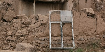 پس لرزه بلاتکلیفیها در لرستان/ چه کسی پاسخگوی خسارات بعد از زلزله مردم است؟