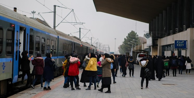 راه اندازی مجدد قطار مسافری از مبدا مراغه /بازگشت کارکنان بیکار شده راه آهن به سرکار