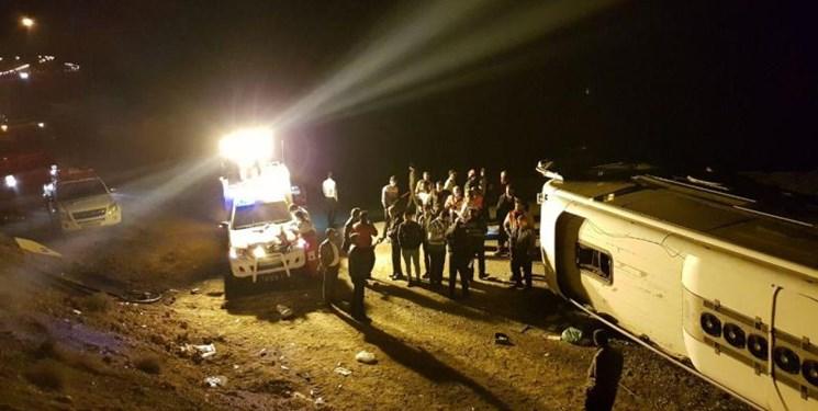 یک کشته و ۸ مصدوم بر اثر واژگونی اتوبوس مسافربری زاهدان-شیراز