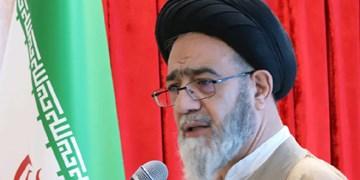 گلایه از مراجعه رد صلاحیتشدگان به دفتر امام جمعه/ کسی را تائید و رد نمیکنم
