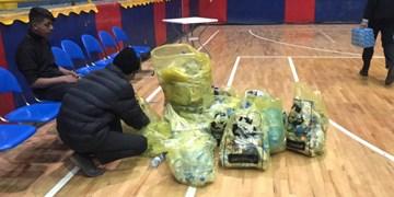 جمع آوری زباله توسط هواداران بسکتبال گرگان پس از دیدار برابر شهرداری بندرعباس