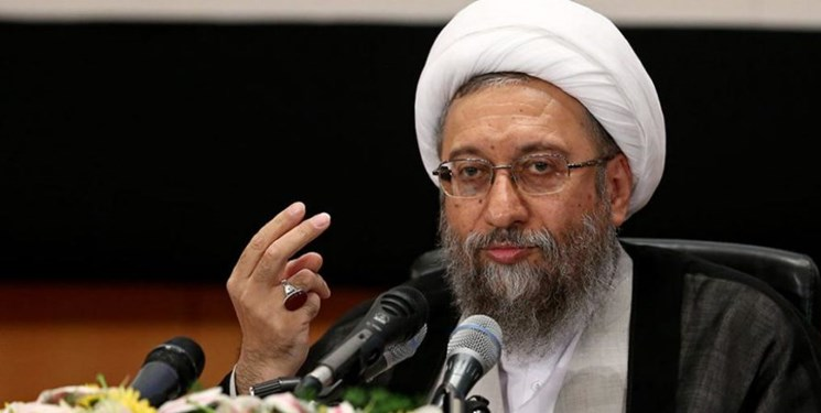 قدردانی رئیس مجمع تشخیص مصلحت از بیانات رهبر انقلاب/ آملی لاریجانی: از هیچ فرد فاسدی حمایت نکرده و نخواهم کرد