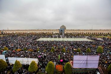 اجتماع بزرگ مردم اصفهان در سوگ سردار سلیمانی