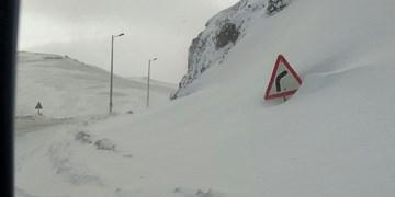 95 روستای آذربایجانشرقی در محاصره برف/ بارش نیم متری برف در دامنه های سهند
