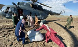 آرد توسط بالگرد سپاه به مردم روستای «میهان» رسید/ نجات جان بیمار بشاگردی توسط بالگرد «سپاه»