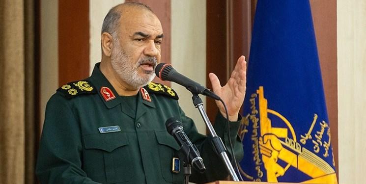 سرلشکر سلامی: ملت ایران در ۲۲ بهمن ثابت کرد که مسیر انقلاب را با قدرت ادامه میدهد