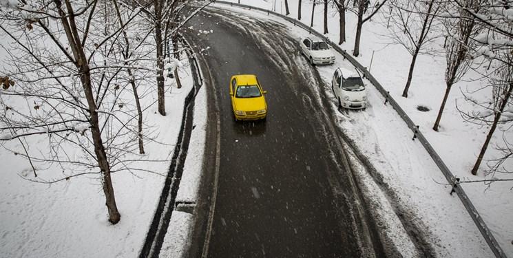 تمام جادههای استان باز است/ مردم از زنجیر چرخ و تجهیزات ایمنی استفاده کنند