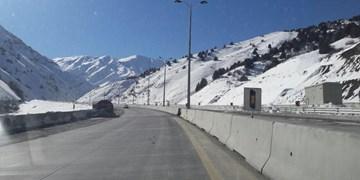 همه جادههای استان تهران باز است/ ریزشهای مقطعی در هراز و سولقان