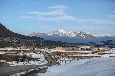 برف بازی مردم در پیست اسکی فریدونشهر اصفهان+تصاویر