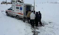 نجات مادر باردار کرمانشاهی از برف پس از 5 ساعت تلاش