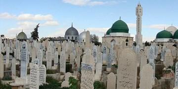 تصویر حاج قاسم روی دست زائران قبرستان بابالصغیر سوریه+فیلم