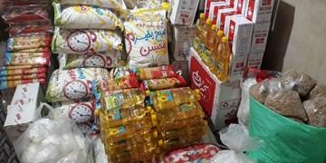 توزیع بستههای معیشتی بین خانوادههای نیازمند آذربایجانغربی