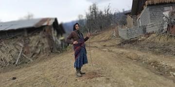 حمل بیمار با فرغون تا بیمارستان/ محرومیت از کاویملکی روستای ناشناخته ساخت+ فیلم و  تصاویر