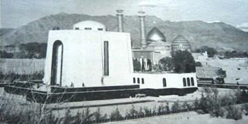 فجر۴۲| مقبره رضاخان از گلدستههای حرم  به رگبار بسته شد