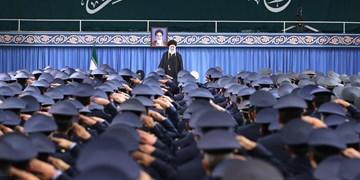 جمعی از فرماندهان و کارکنان نیروی هوایی ارتش با رهبر انقلاب دیدار کردند
