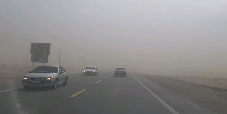 تعطیلی ادارات شهرستان ریگان بهدلیل گردوغبار ۲۲ برابر حد مجاز