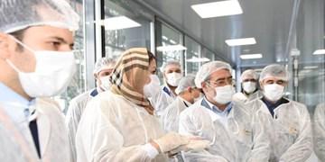 عکس | بازدید وزیر کشور از کارخانه داروسازی در البرز