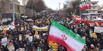 22 بهمن مانور قدرت انقلاب در مقابل استکبار است