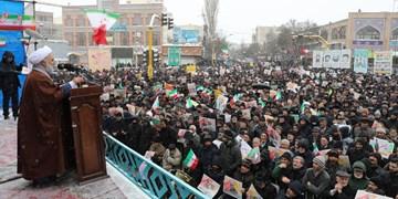 تجدید میثاق مردم اردبیل با شهدا و امام شهدا/ راه شهدا ادامه دارد