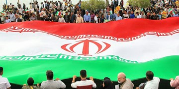 عکس  شکوه پیروزی انقلاب در کرانههای خلیج فارس ٢