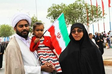 عکس| شکوه پیروزی انقلاب در کرانههای خلیج فارس ٢