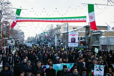 حضور مردم ارومیه در راهپیمایی ۲۲بهمن