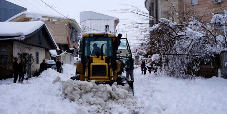 گرفتار شدن 200 نفر در برف هزارجریب نکا/ کمکرسانی با فوریت در حال انجام است